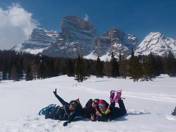 raquetas de nieve en dolomitas