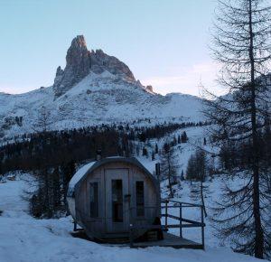 Refugio en Dolomitas de Croda do Lago